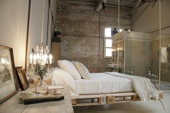Bed Van Pallets : Inspiratie bed op pallets fabeaulish
