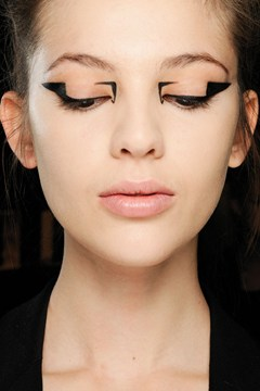 triangleeyeliner3